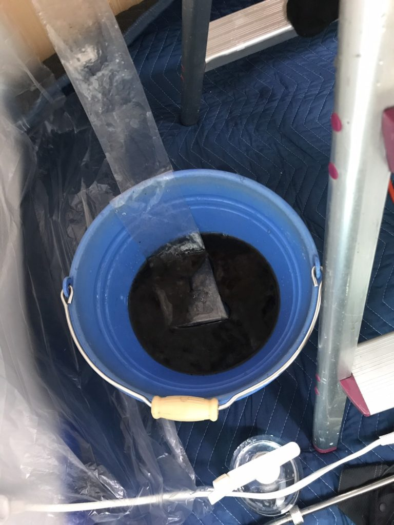 浜松市エアコンクリーニング汚水