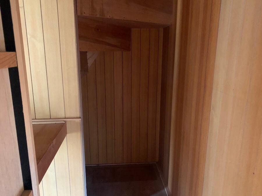 階段下収納片づけ後