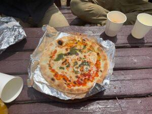 お昼に焼いてくれたピザ